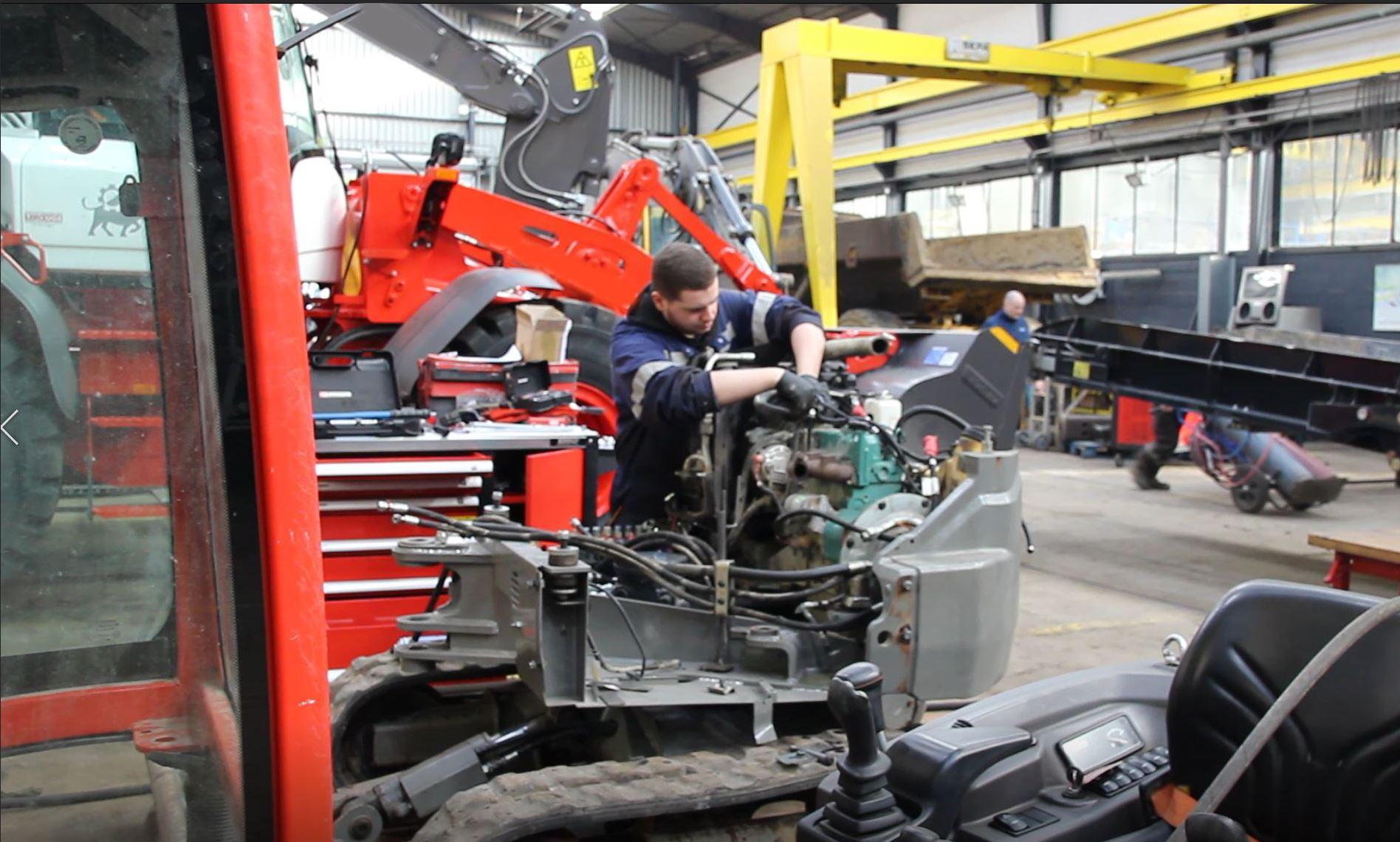 technicien mécanicien réparation machine